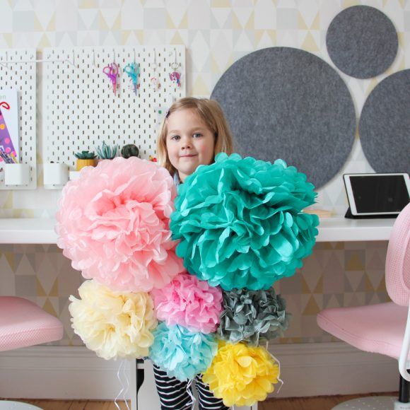 DIY Paper Pom Pom Wall Decor