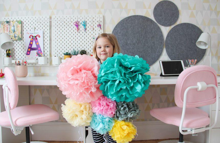DIY Paper Pom Pom Wall Decor